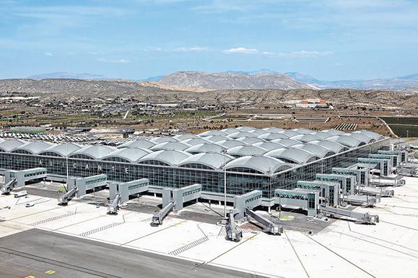 Аэропорт Аликанте фото