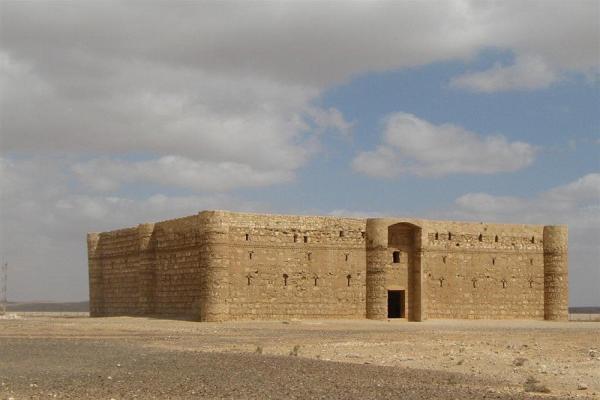Каср Аль Харана фото