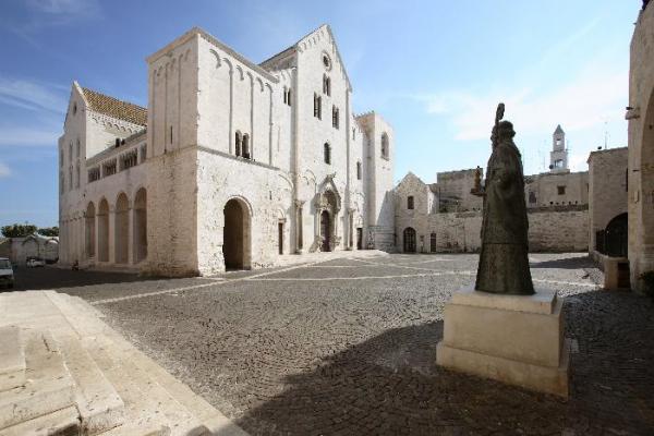 Базилика Святого Николая фото