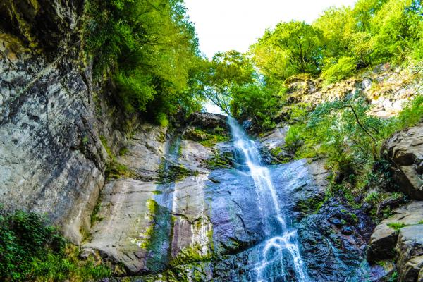 Водопад Махунцети фото