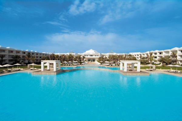 Radisson Blu Palace Resort & Thalasso photo