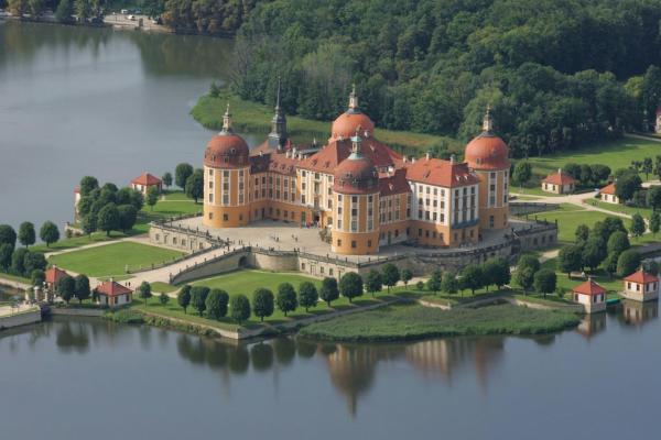 Moritzburg Castle photo