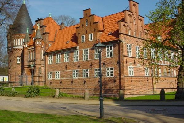 Замок Бергедорф фото