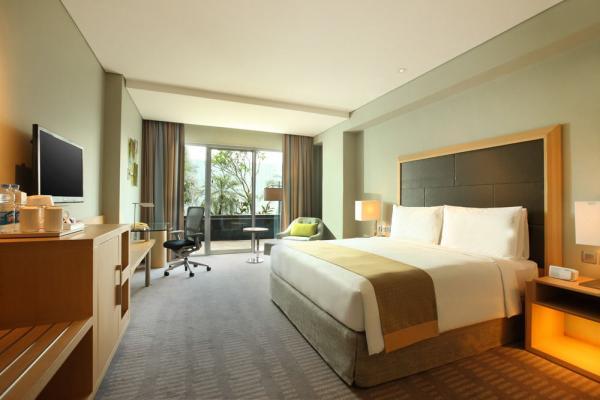 Holiday Inn Jakarta Kemayoran фото