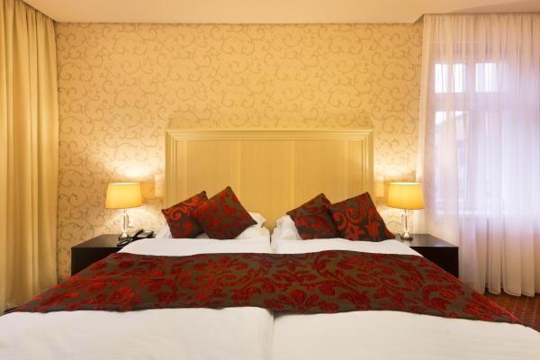 Hotel Dvorana фото