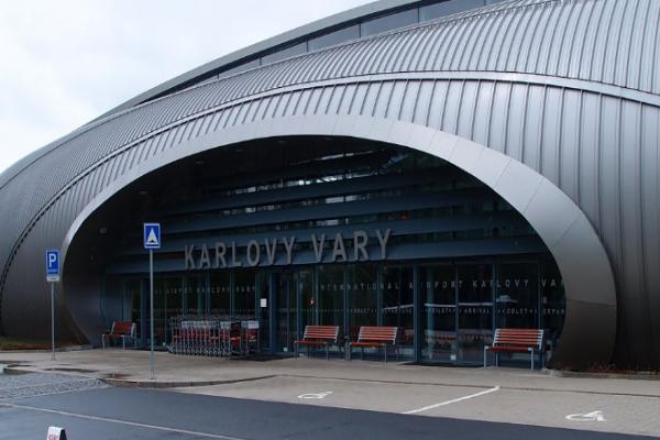Аэропорт Карловых вар фото
