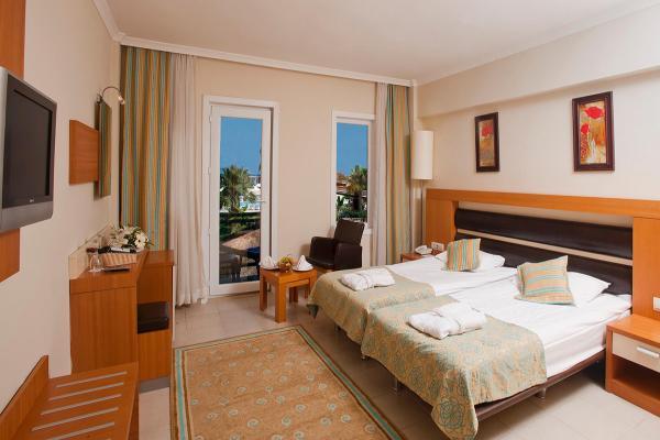 Hotel Crystal Flora Beach Resort фото