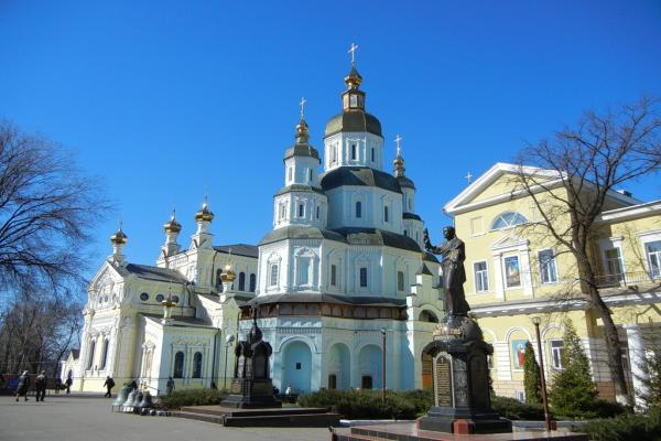 Pokrovsky Cathedral photo