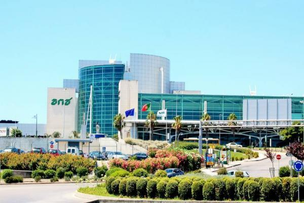 Аэропорт Лиссабона Портела фото