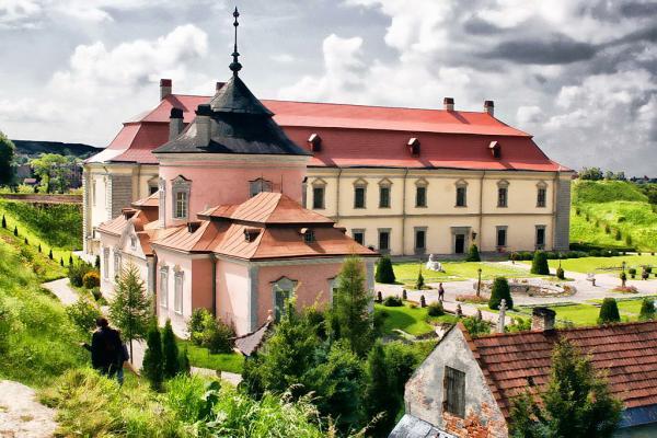 Zolochevsky castle photo