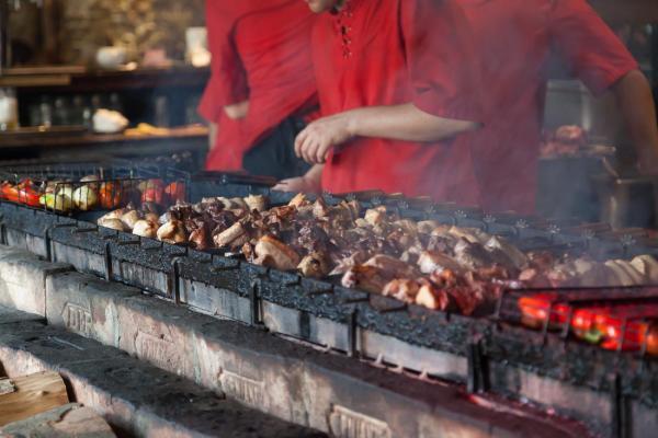 Foto del primer restaurante asador de Carne y Justicia