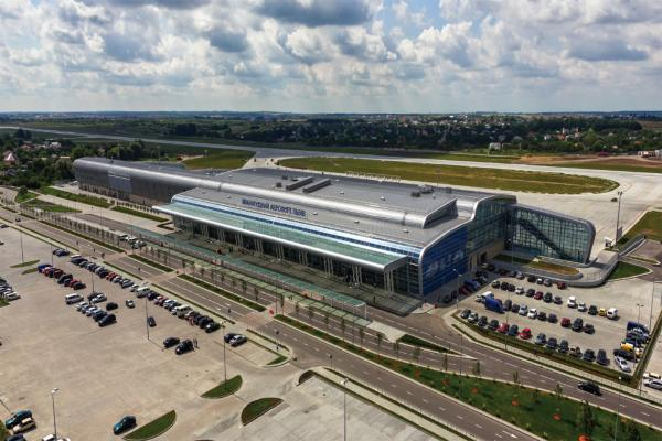 Аэропорт Львова фото