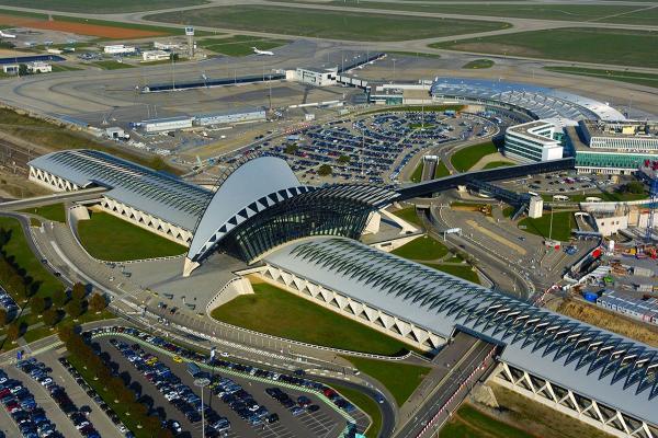 Аэропорт Лиона имени Сент-Экзюпери фото