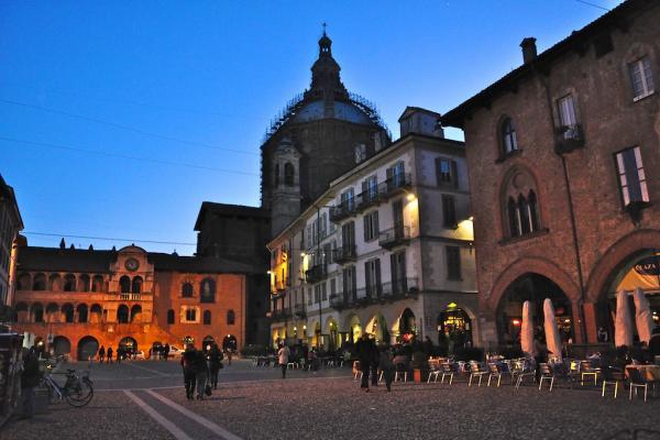 Pavia photo