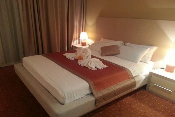Hotel San фото