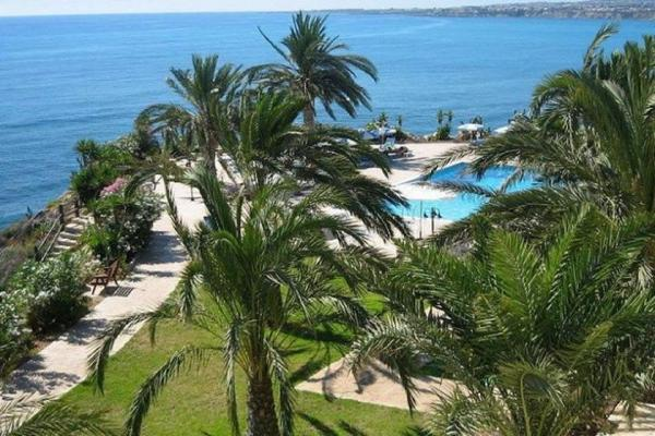 Vrachia Beach Resort photo
