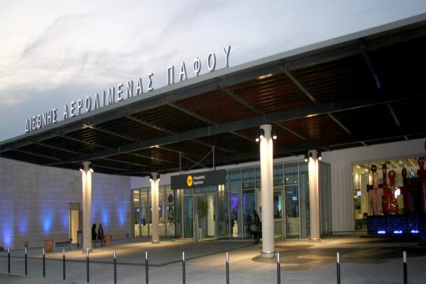 Аэропорт Пафоса фото