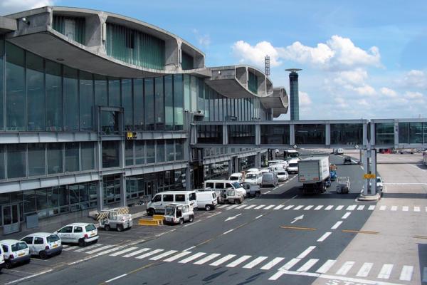 Аэропорт Парижа Шарль-де-Голль фото