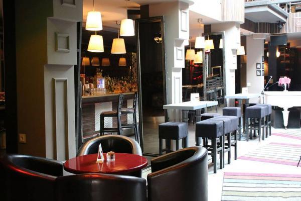 Monroe Cafe & Bar photo