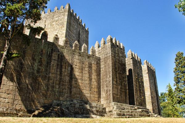 Замок Гимарайнш фото