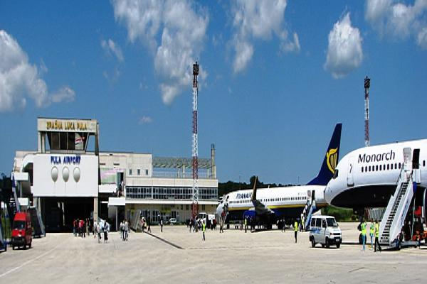 Аэропорт Пулы фото