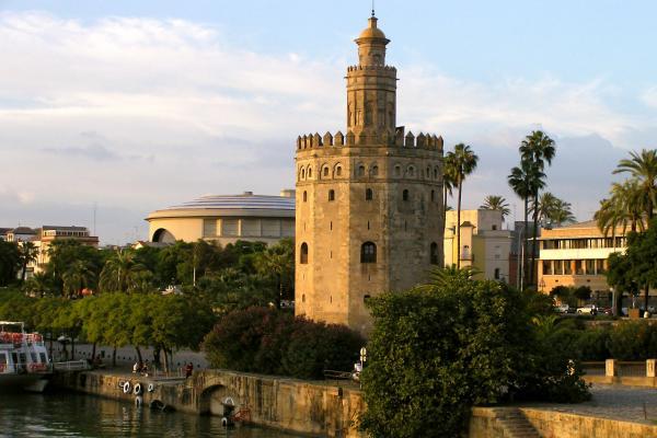 Золотая башня фото