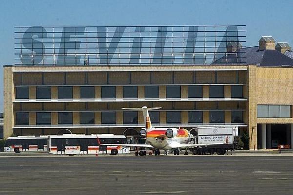 Аэропорт Севильи фото