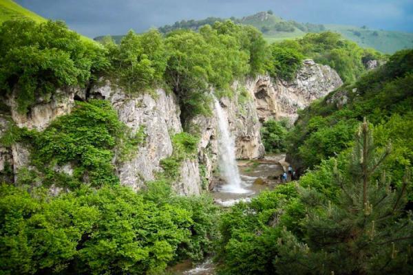 Honey waterfalls photo