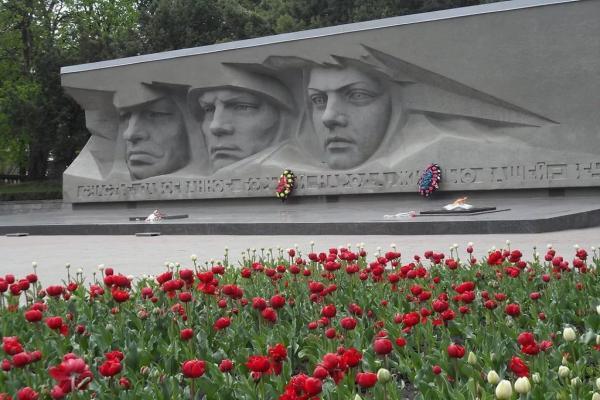 "Memorial ""Fire of Eternal Glory"" photo"