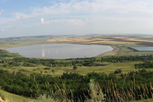 Lushnikovskoe lake photo