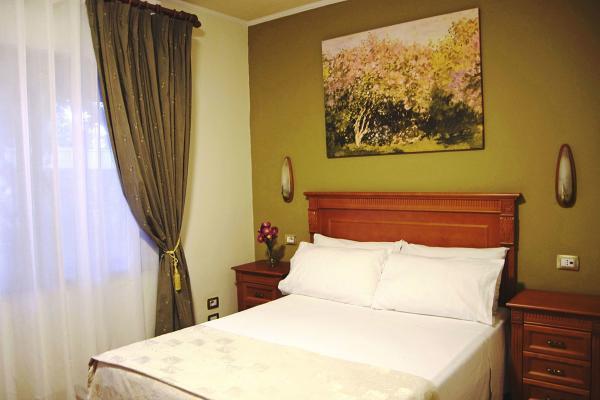 Hotel Hotel Millennium фото