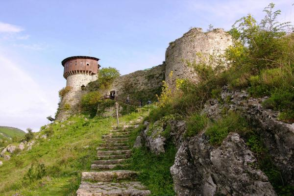 Petrela Castle photo