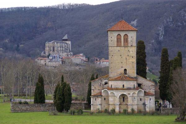 Saint Bertrand de Commenes photo