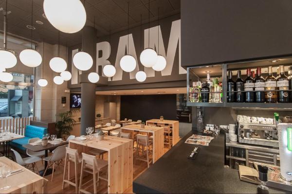 Kram Bar photo