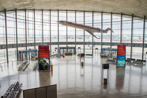 Аэропорт Валенсии фото
