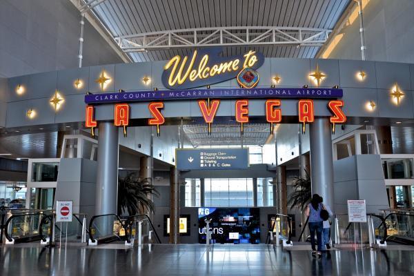 Аэропорт Лас-Вегаса Мак-Каран фото