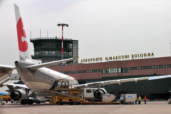 Аэропорт Болоньи имени Гульельмо Маркони фото