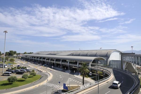 Аэропорт Кальяри Эльмас фото