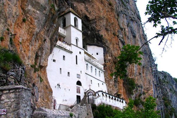 Монастырь Острог фото