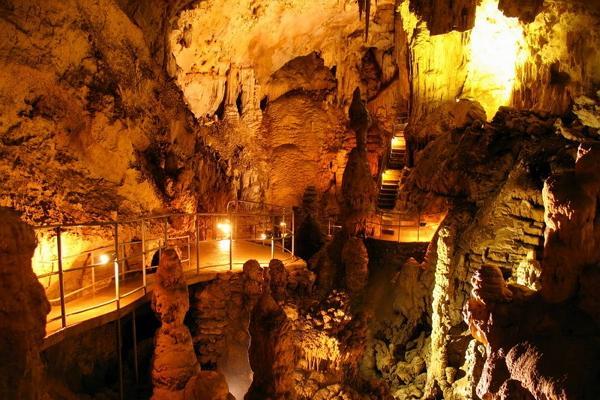 Мраморная пещера фото