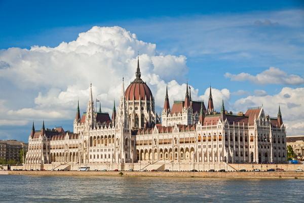 Парламент в Будапешете фото