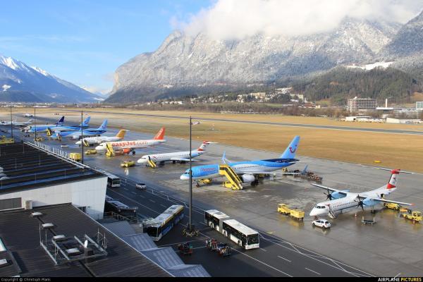 Аэропорт Инсбрука Кранебиттен фото