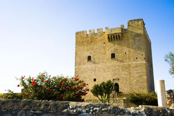 Замок Колосси фото