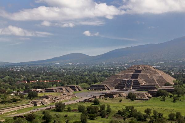 Teotihuacan photo