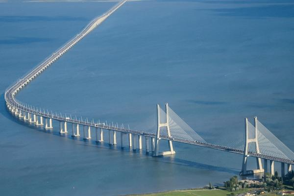 Bridge Vasco da Gama (