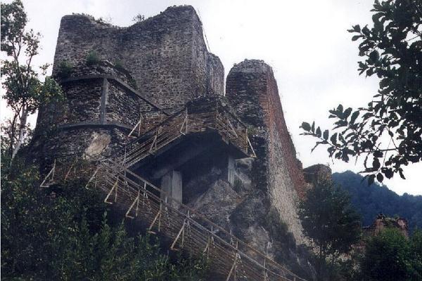 Poenari Castle photo