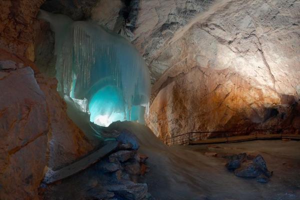 Ice Cave Eisriesenvelt photo