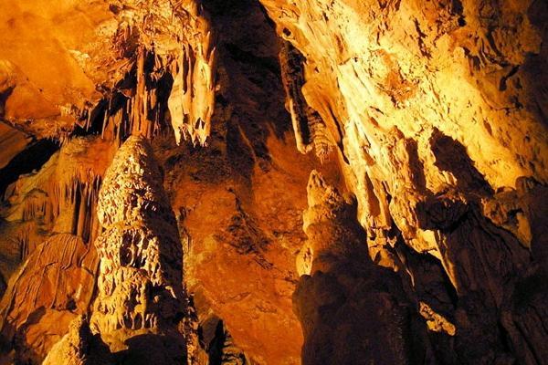 Скельская пещера фото