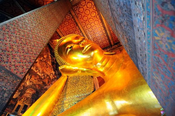 Temple of the Reclining Buddha photo