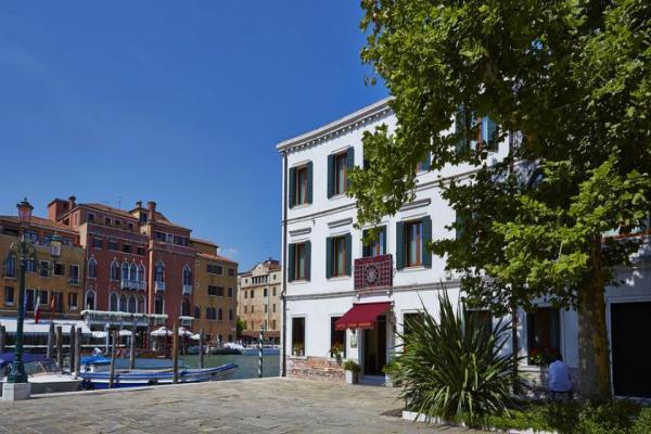 Hotel Canal Grande photo